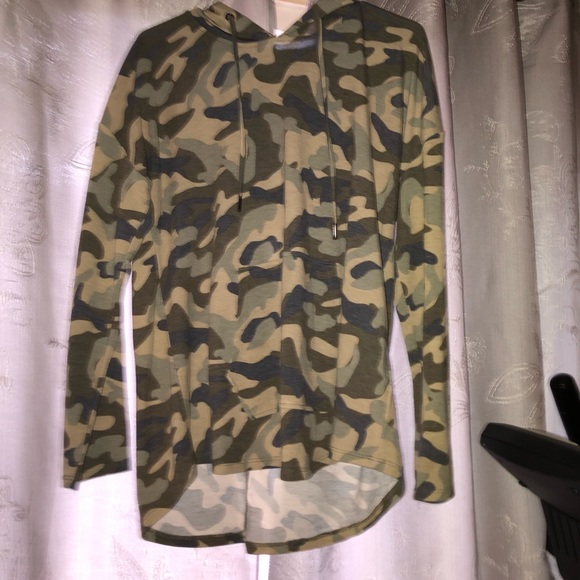 Cable & Gauge Jackets & Blazers - Cable & Gauge Camo Light Sweatshirt